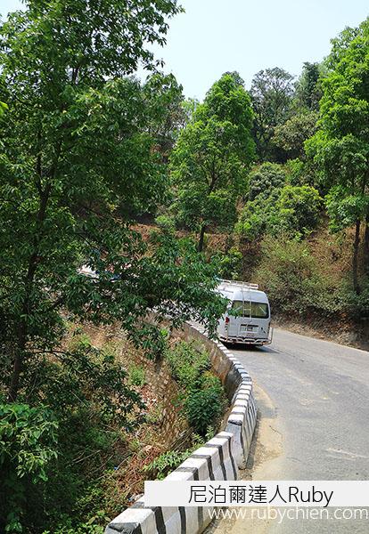 聯繫加德滿都與波卡拉的highway