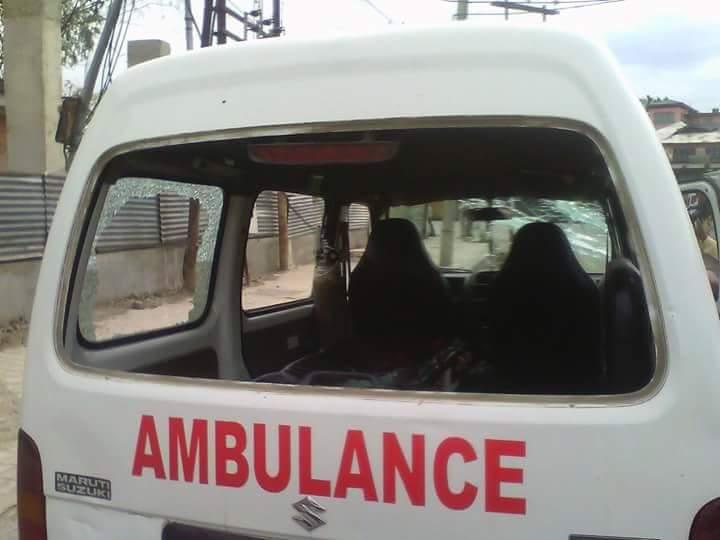 載送傷者的救護車也被攻擊。