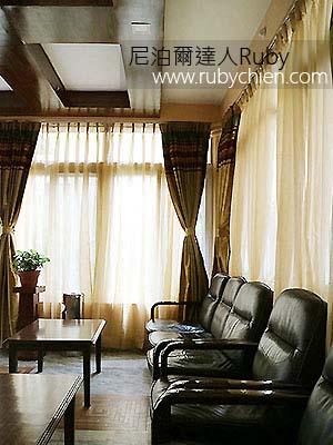 大廳的沙發座椅,很適合讀報、與旅人交流。