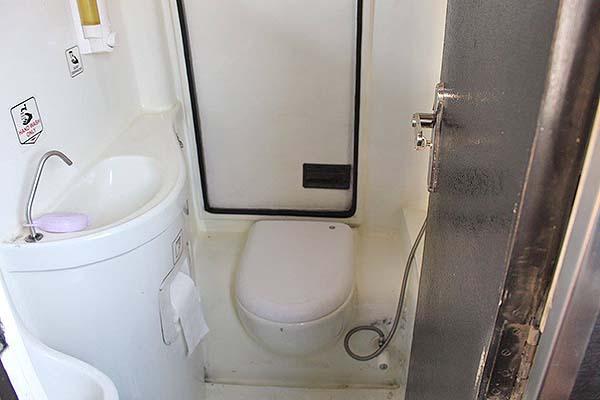 Super VIP巴士上的廁所